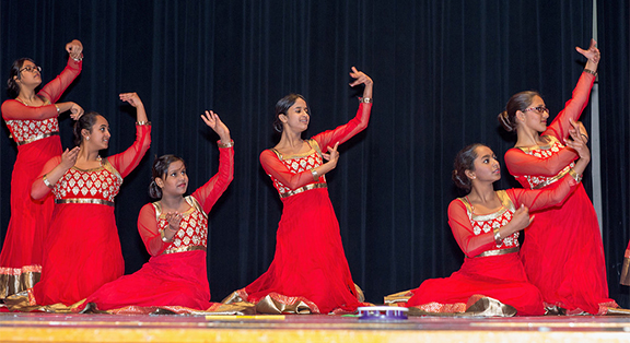 <p><b>Meher Dance</b></br> Meher Dance Company is a nationally recognized dance institution. The company is dedicated to advancing the art of Indian dance by creating a platform where individuals and groups can enjoy, practice and learn diverse styles of dance. At the forefront of Chicago's dance scene, Meher Dance Company blends Indian dance with shades of contemporary and hip-hop dance styles to create a truly unique dance experience that you can add to your meeting as a teambuilding activity. Our hope is to always spread joy through dance and to inspire people to live and dance with grace! </p>